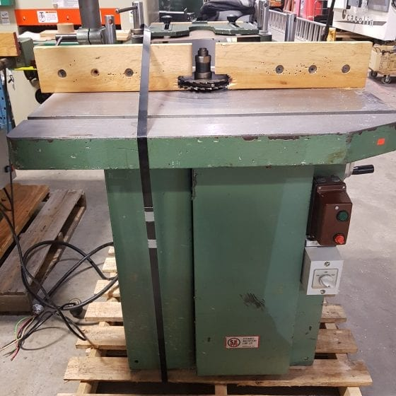SCM T100 Shaper with Feeder