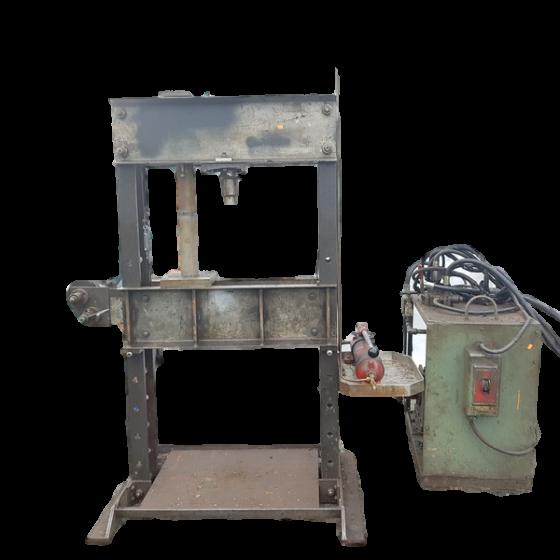 623-15-Hysraulic press with motor