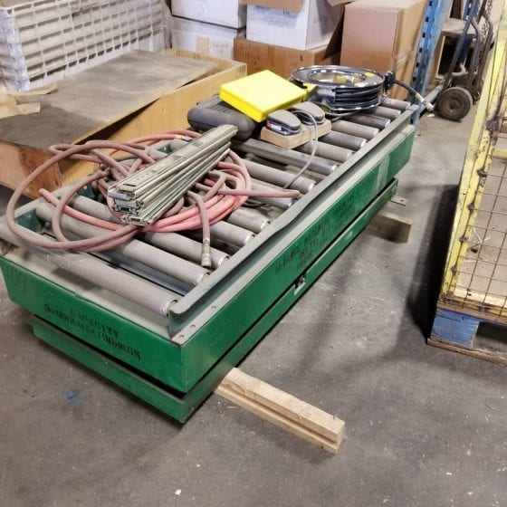 Scissor Lift with Roller Conveyer Top