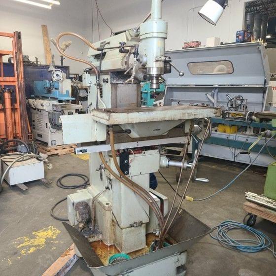 Komunaras 6760 Vertical Mill