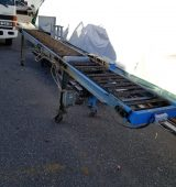 Conveyer with Glue Applicator